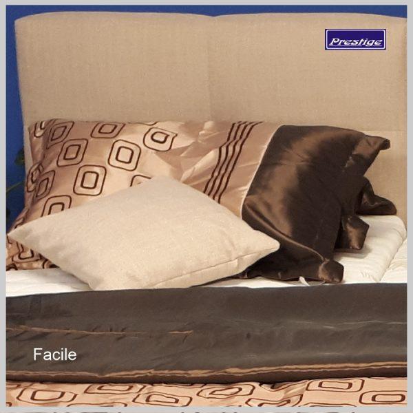 Facile Slick posteľ detail čelo